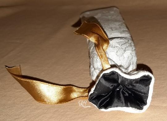 Fehér fekete ajándék tasak 4