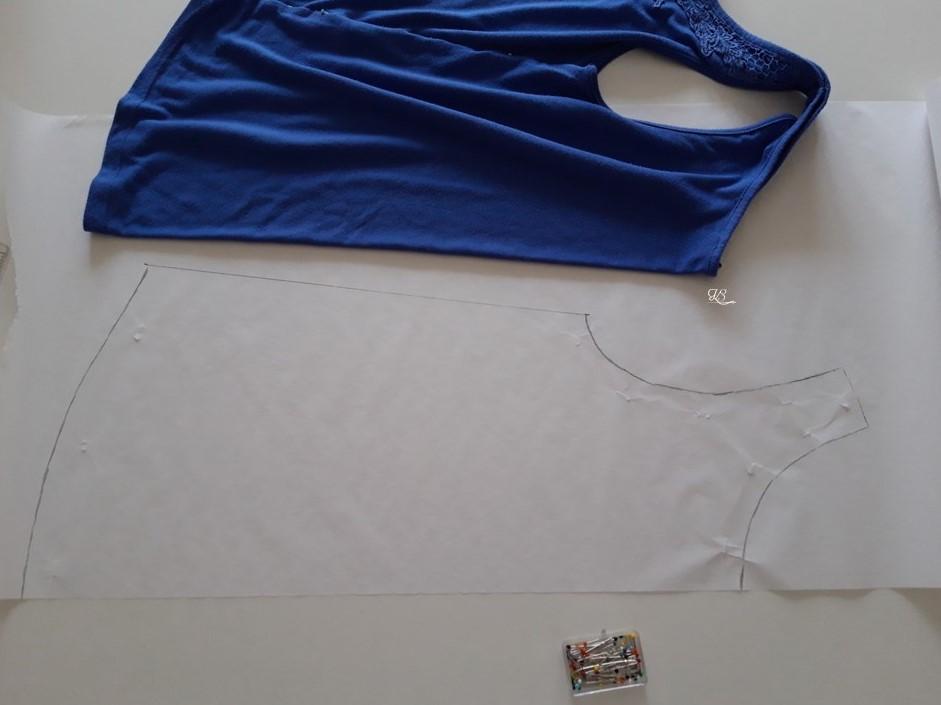 ujjatlan póló háta szabásminta